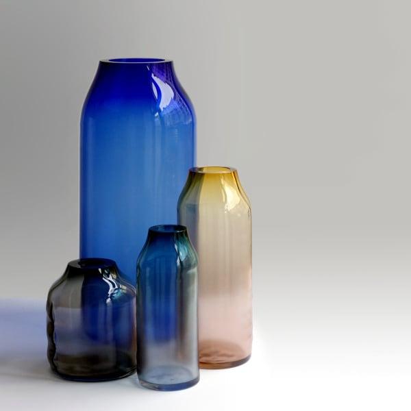 In verschiedenen Größen und Farben sind Milena Kling's Entwürfe zwischen 390 und 950 Euro erhältlich