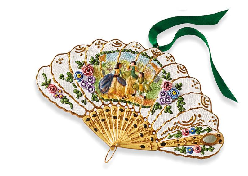 Met_Folding-Fan-Ornament---Courtship-Scene,-Pg10