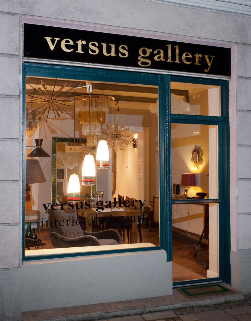 Versus Gallery