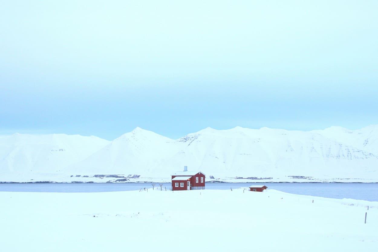 Hüttenurlaub, Winterhütte, Hütte im Schnee