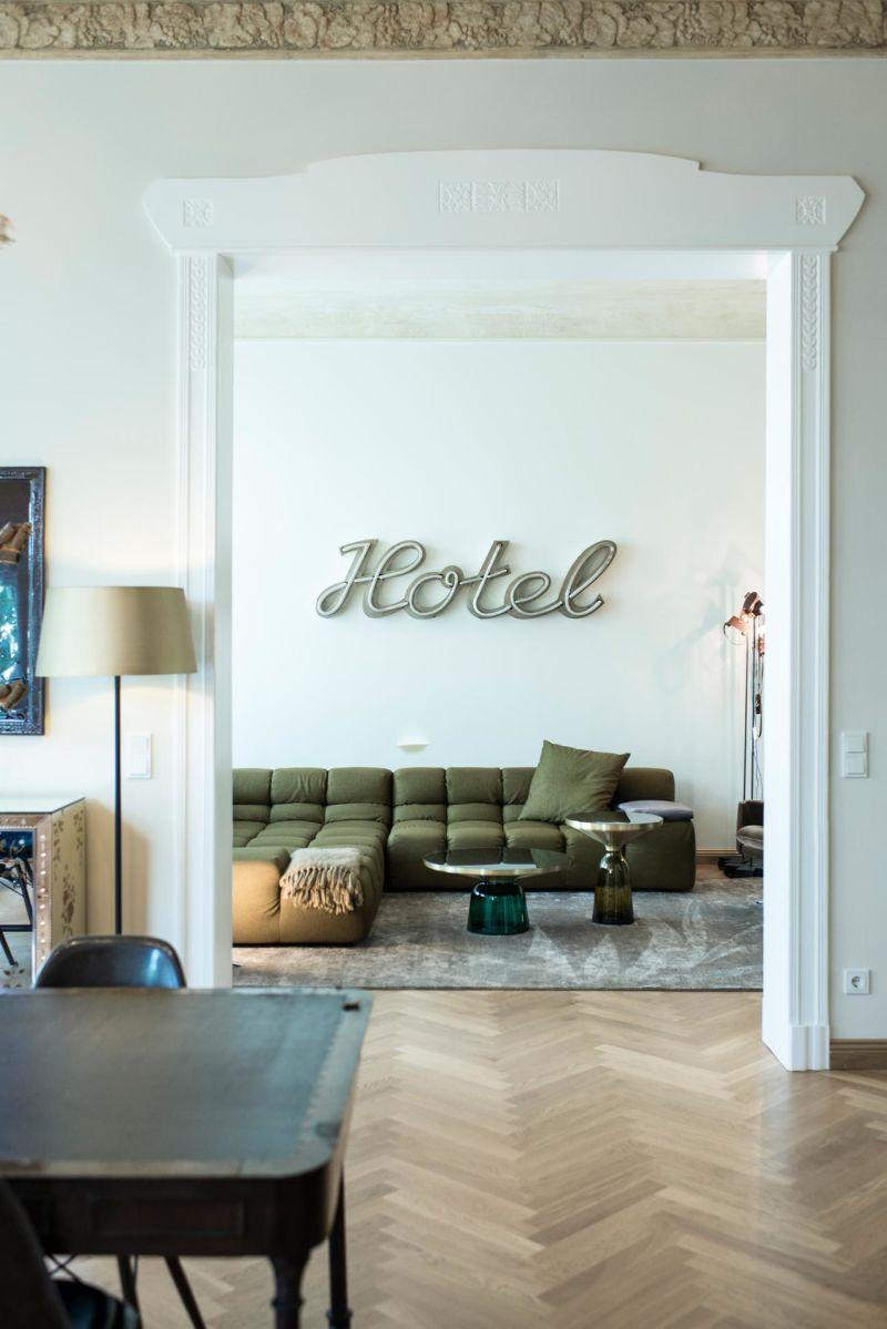 Suite 030 Niebuhr B