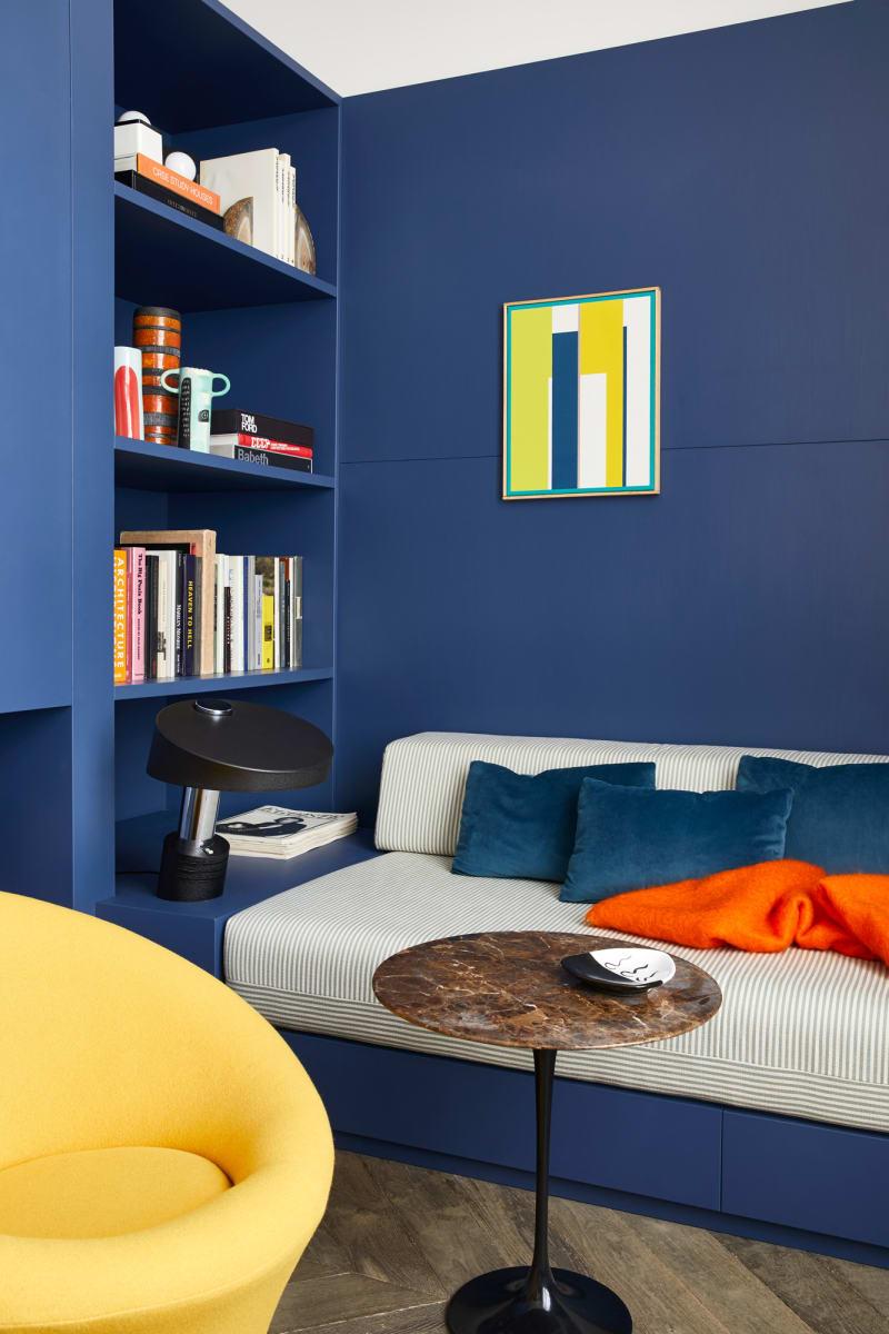 Sitzecke in einem Apartment von Humbert & Poyet