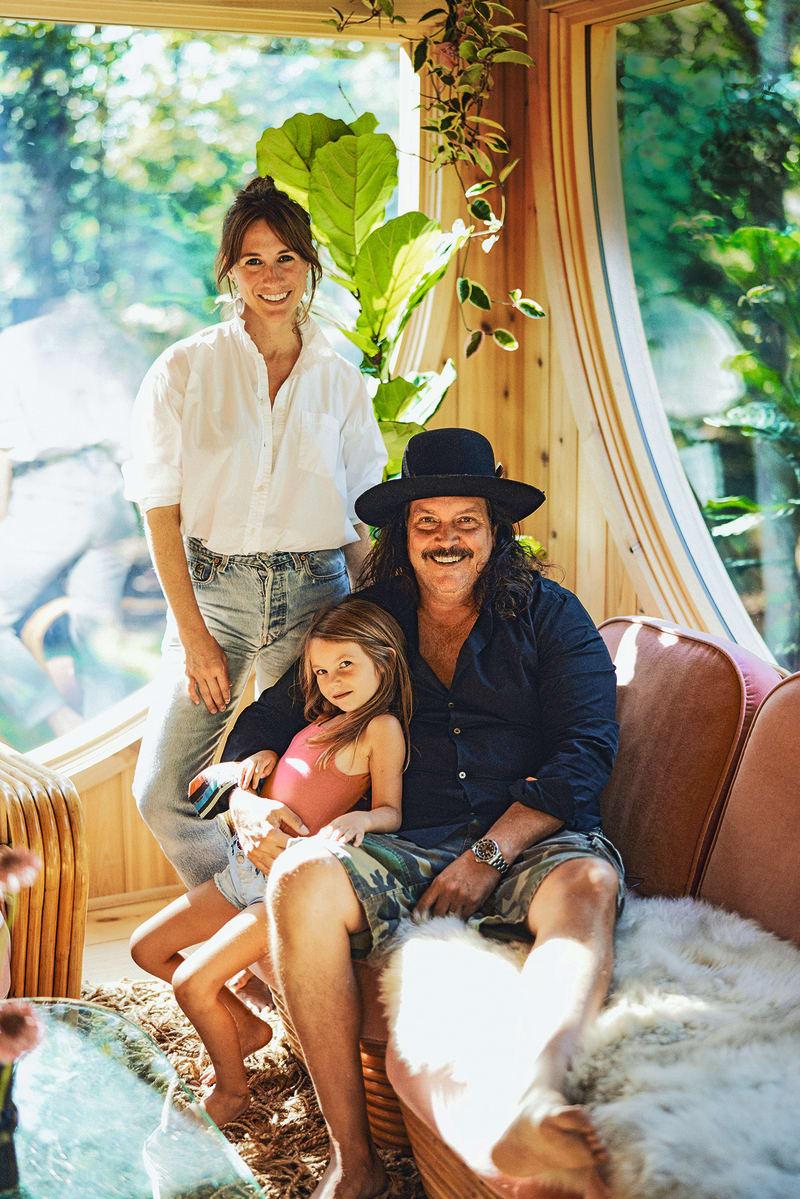 Portrait Blair Moritz und Chris Fisher mit Tochter Poppy