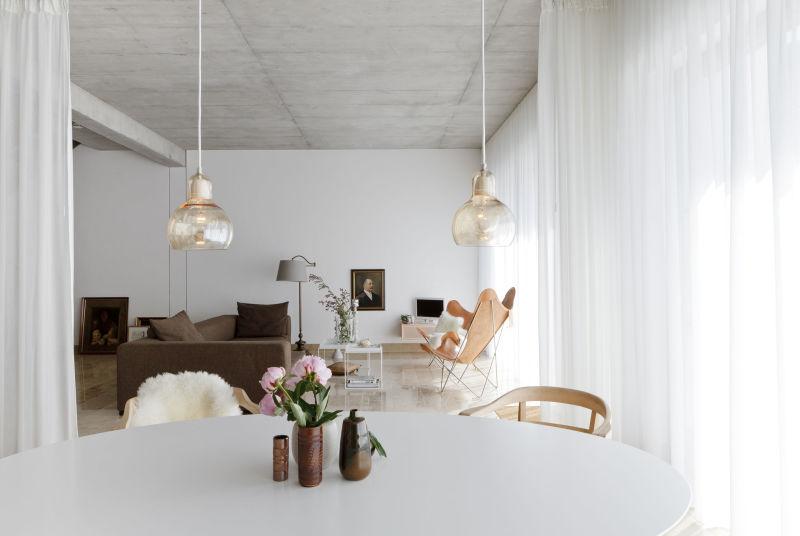 Studio Oink House Cal