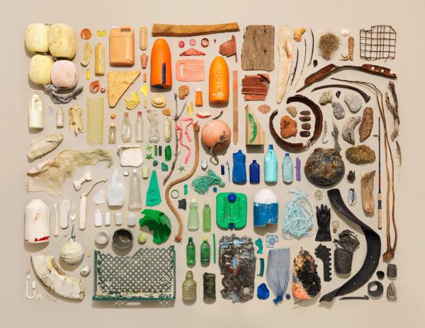 So sieht eine Strandgutsammlung von Portland Beach aus – wenn sie Jim Golden arrangiert hat.