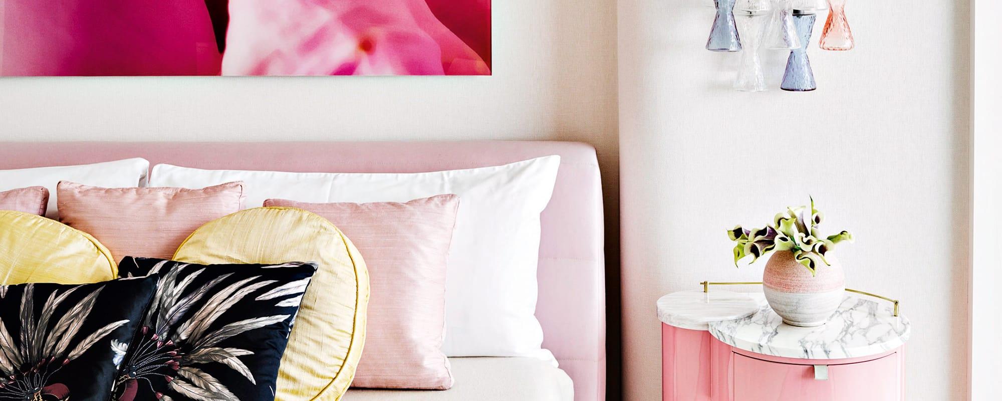 Bryan Graybill, Haus, pink