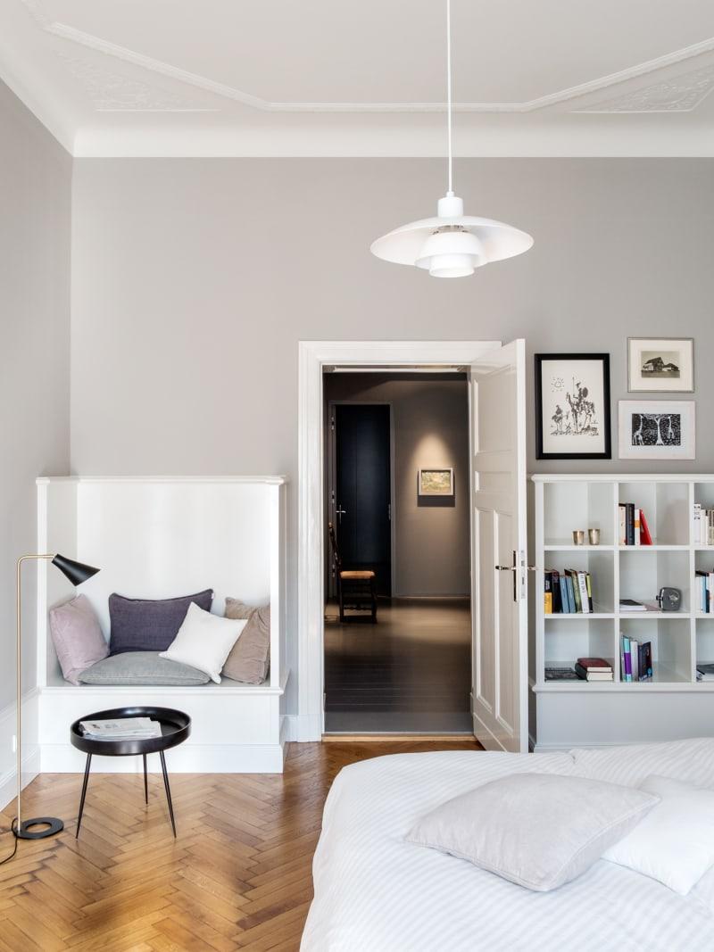 Leseplatz in einem Berliner Apartment von bfs d