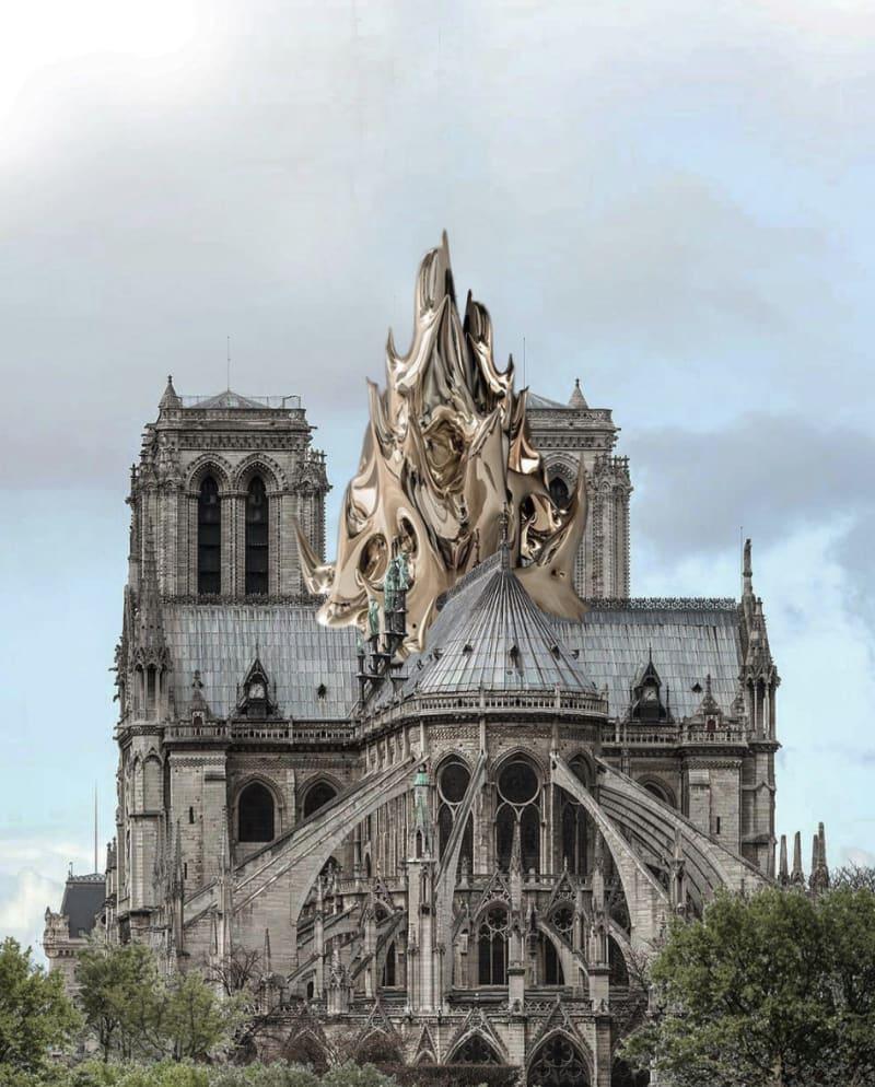 Notre Dame mit goldenen Flammen