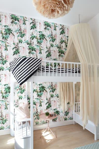 """Antonius Schimmelbusch setzte in einem Kinderzimmer in Dahlem auf eine Tapete des Londoner Herstellers """"House of Hackney"""" ."""