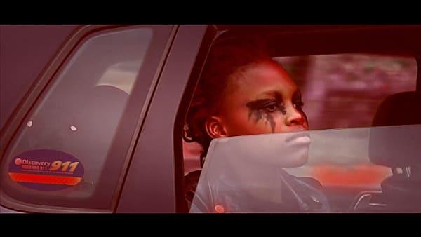 "CUSS & Vukani Ndebele: Filmstill aus ""Streetkid"" (2020)."
