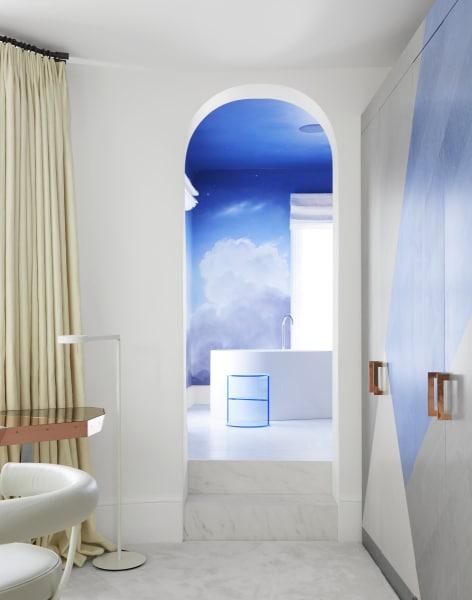 Die Badewanne ist vonCappellinimit Armaturen vonGrohe.