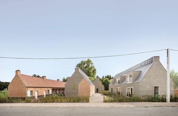 Ländlich oder urban – die Renaissance des Ziegels macht vor keiner Typologie halt. In Zandhoven bauten HCVA mit der Buurschap de Blokskens eine Ranch.