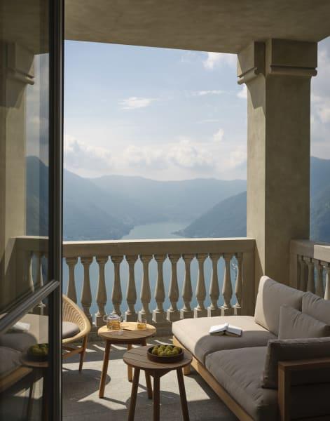 Blick gen See.Im Süden liegt die Stadt Como.