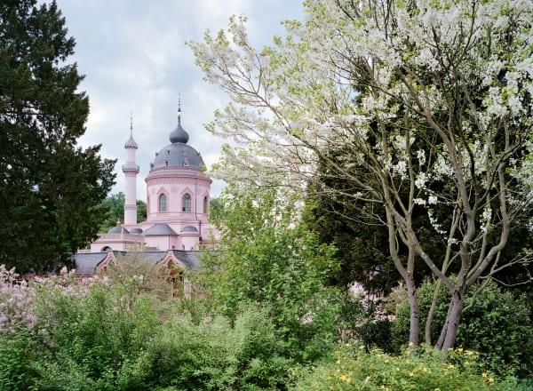 Rokoko in Blüte – die Schwetzinger Gartenmoschee ist die einzige noch erhaltene in Europa.