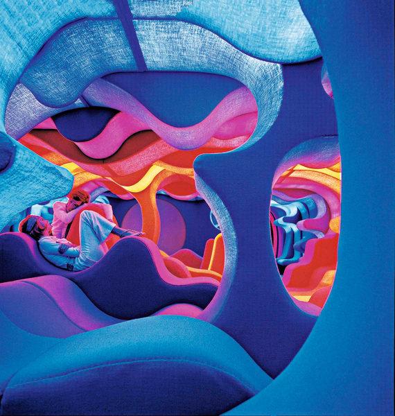 """Installation """"Fantasy Landscape"""" von Verner Panton."""