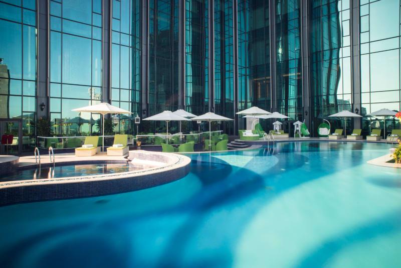 The-Reverie-Saigon---Swimming-Pool_klein