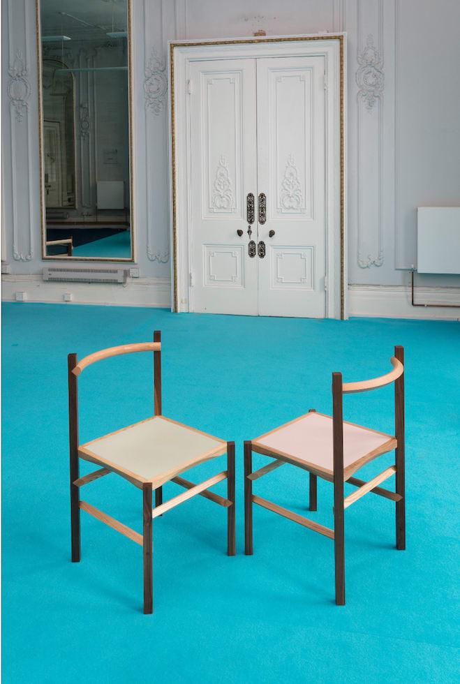 """Stühle aus der """"Round & Square""""-Serie"""