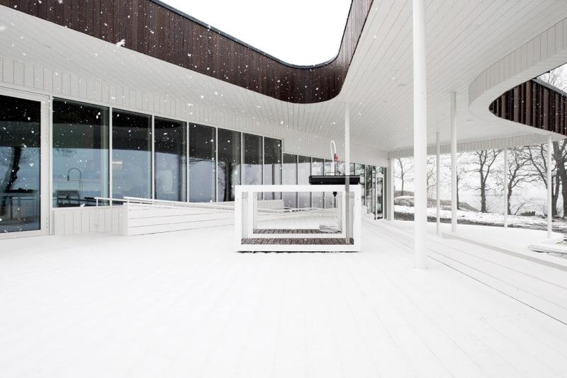 White-kitchen-in-NOA