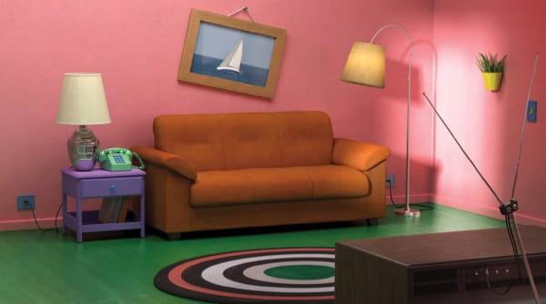 Zu Beginn jeder Folge versammelt sich die ganze Familie Simpson auf dem ikonischen orangenen Sofa vor dem Fernseher. IKEA hat dafür das Knislinge-Sofa eingesetzt.