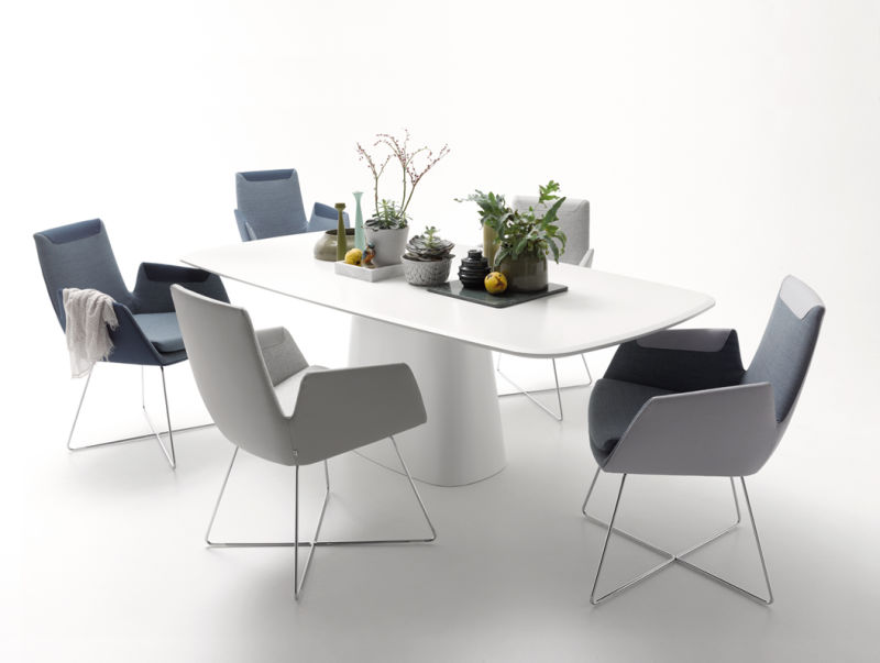 COR_Cordia_Chairs_Conic_Table