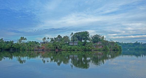 Ganz in der Nähe: Die Stadt Koggala, die eine der längsten Küstenlinien Sri Lankas hat.