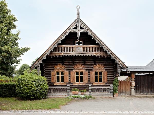Zwei restaurierte Häuserkönnen besichtigt werden.