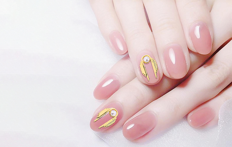 Pearl nail art is Insta-popular as the chicest nail art trend of the season!