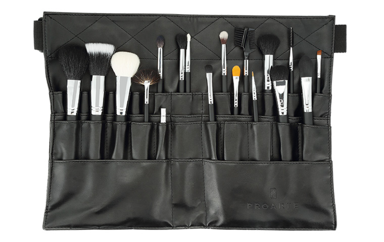 Proarte introduces brush set for budding make-up artists