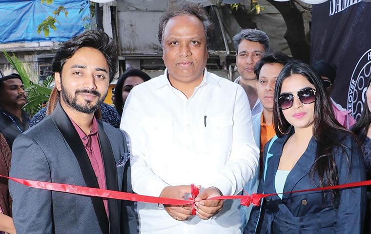Ashish Shelar unveils Sameer Salmani's salon