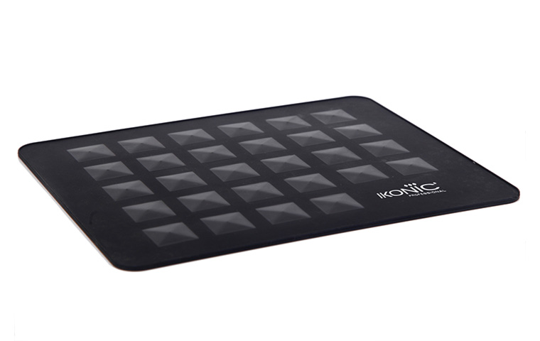 Diamond-Textured Surface is the USP of the Ikonic Heat Resistant Mat