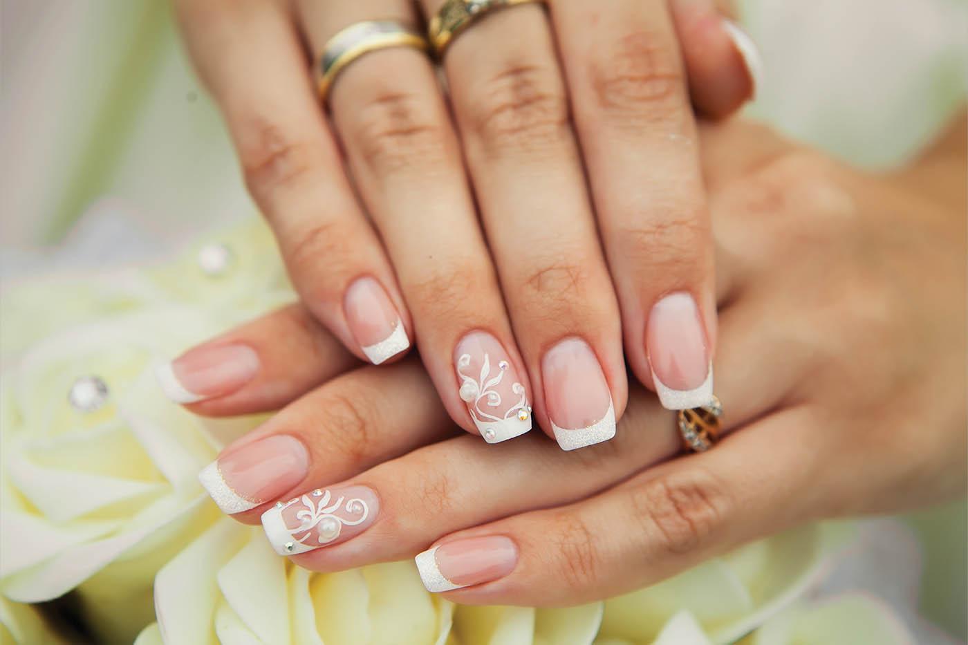 Pretty Nails, Happy Brides!