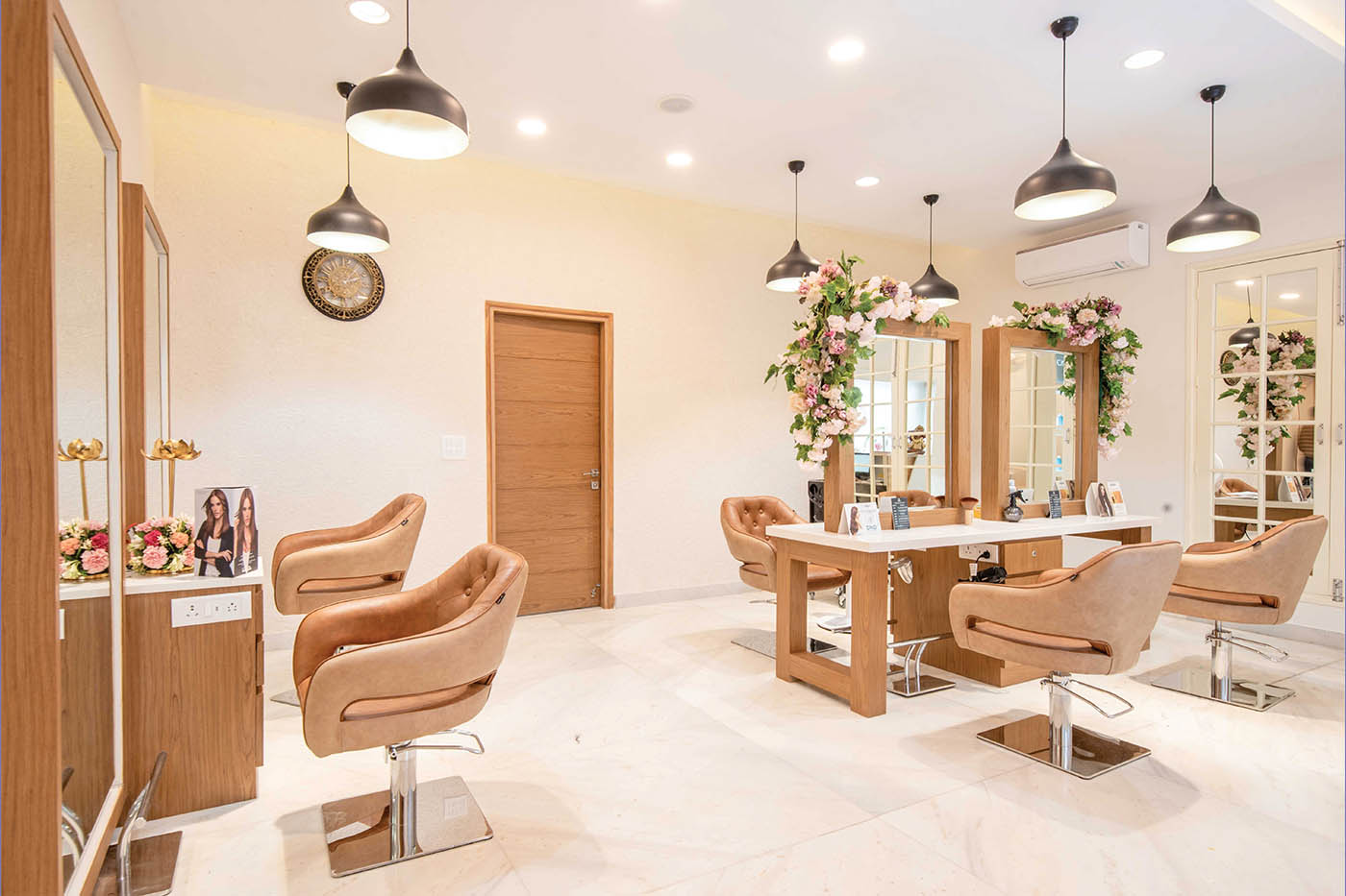 Vandna's Salon – Grooming and Pampering at its Best!