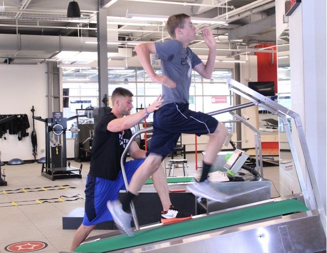 Acceleration treadmill, acceleration training for athletes