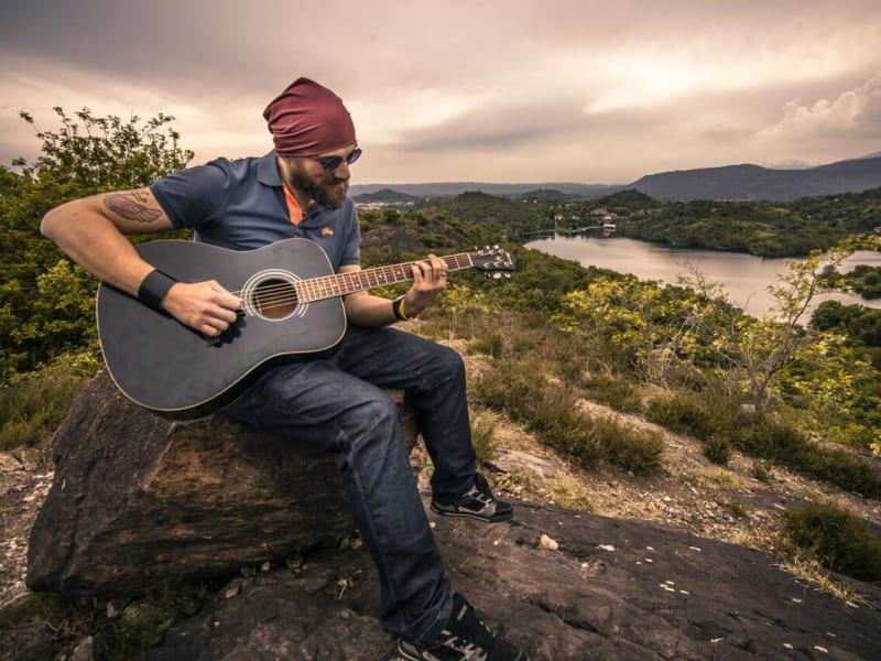 Imagem de destaque do post Aula de violão para iniciantes