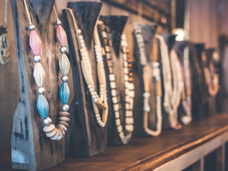 Imagem de destaque do post Como fazer bijuterias para vender? Veja o passo a passo