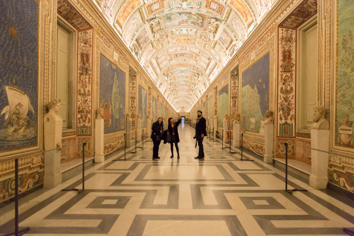 Foyer Museum Hours : After hours vatican tour with art historian no crowds