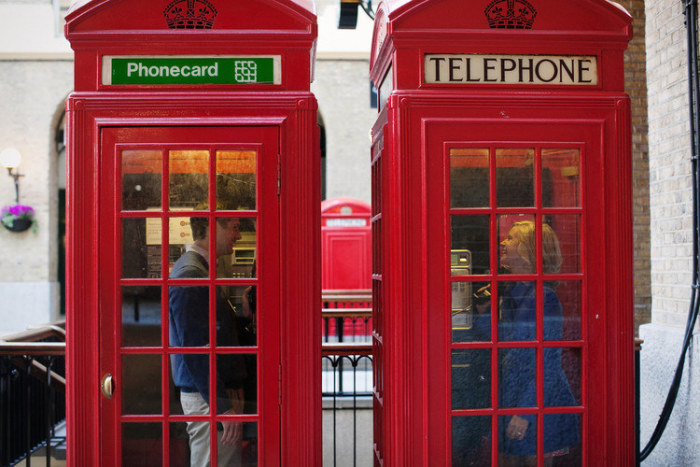 London Walk with Flytographer Photoshoot