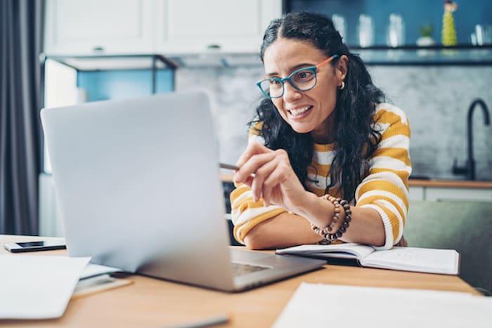 Woman in an online class