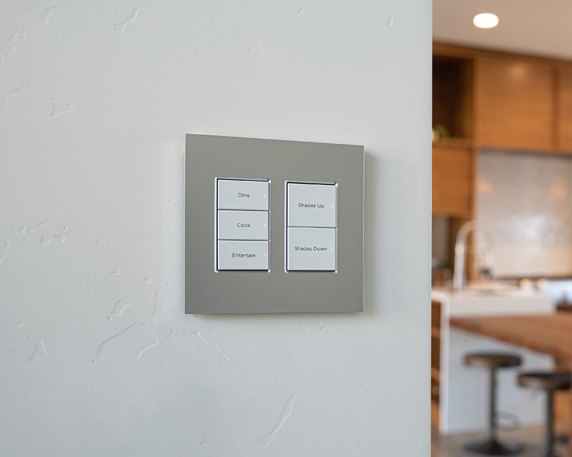 Configurable keypad with 'good morning' and 'good night' scene buttons