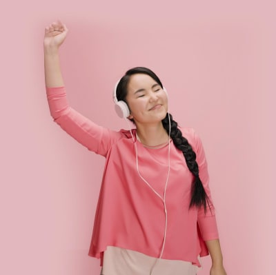cg-website/girl-pink-ponytails-headphones-pink-pink