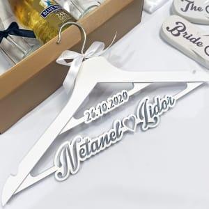 קולב מעוצב לחתונה