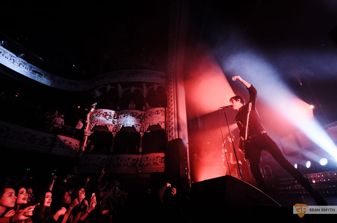 catfish-and-the-bottlemen-at-the-olympia-theatre-by-sean-smyth-20-11-16-3-of-27