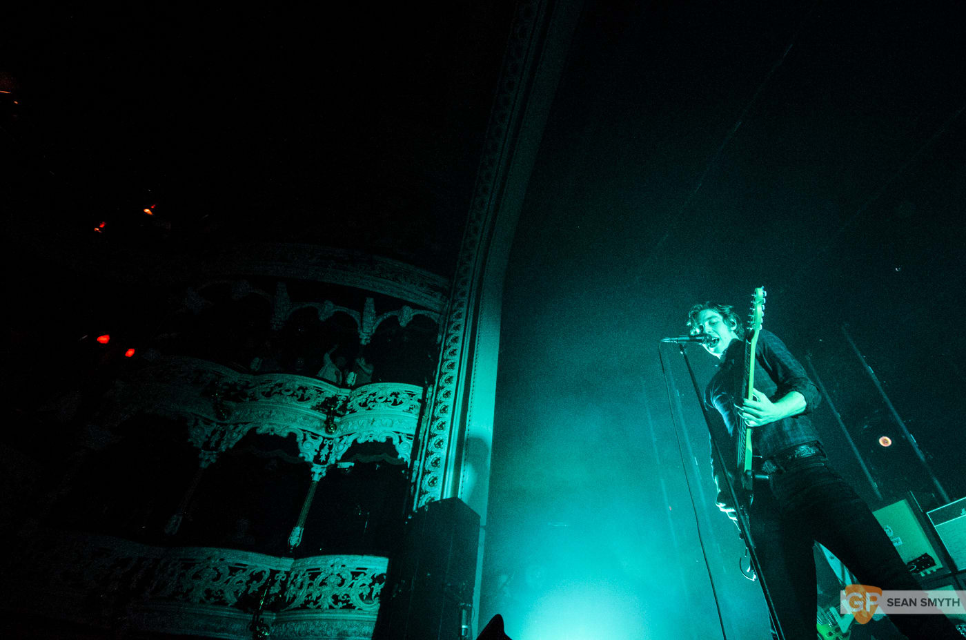 catfish-and-the-bottlemen-at-the-olympia-theatre-by-sean-smyth-20-11-16-12-of-27