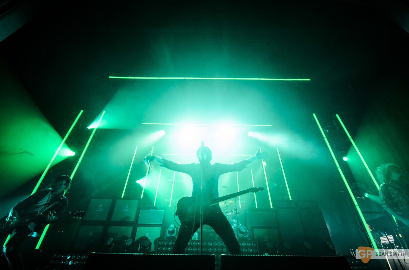 catfish-and-the-bottlemen-at-the-olympia-theatre-by-sean-smyth-20-11-16-17-of-27