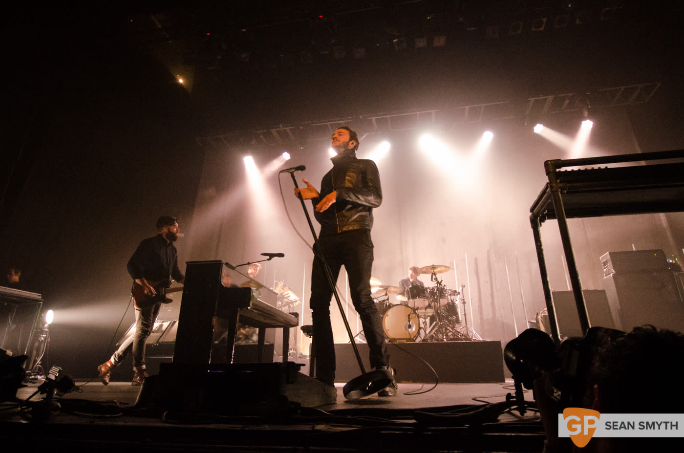 editors-at-the-olympia-theatre-by-sean-smyth-10-10-15-8-of-28_21903522929_o