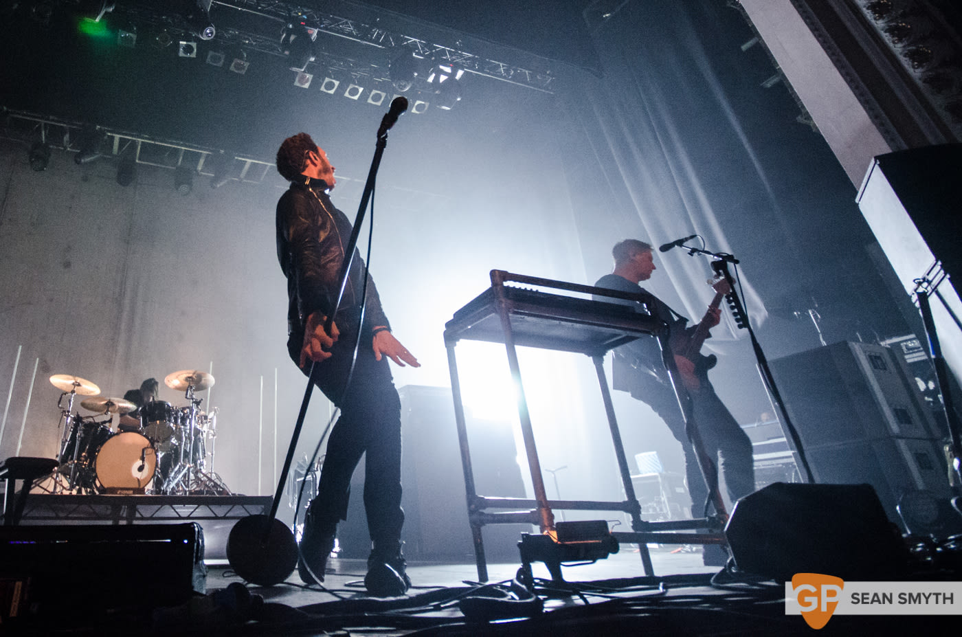 editors-at-the-olympia-theatre-by-sean-smyth-10-10-15-13-of-28_22100460471_o