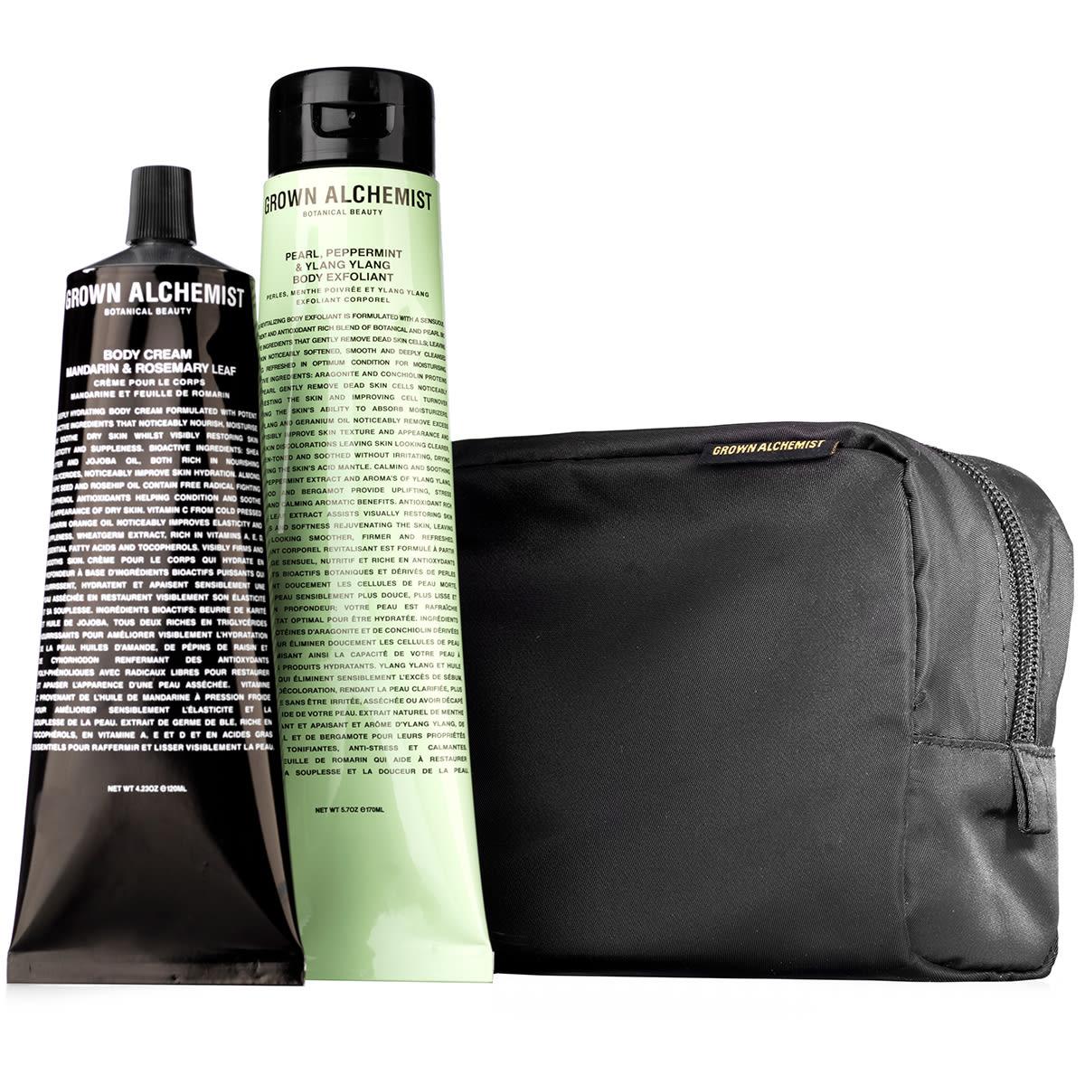Gaveæske med bodyscrub og bodycreme i taske