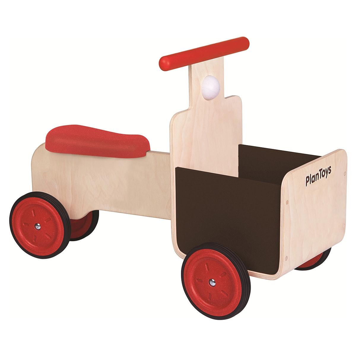 Scooter i bæredygtigt træ - Med plads til bamser og byggeklodser