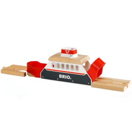 Sejl dit tog over floden med BRIO færgen