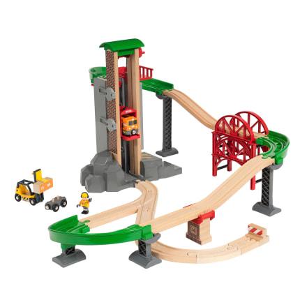 Byg din togbane helt op til toppen af lagerbygningen